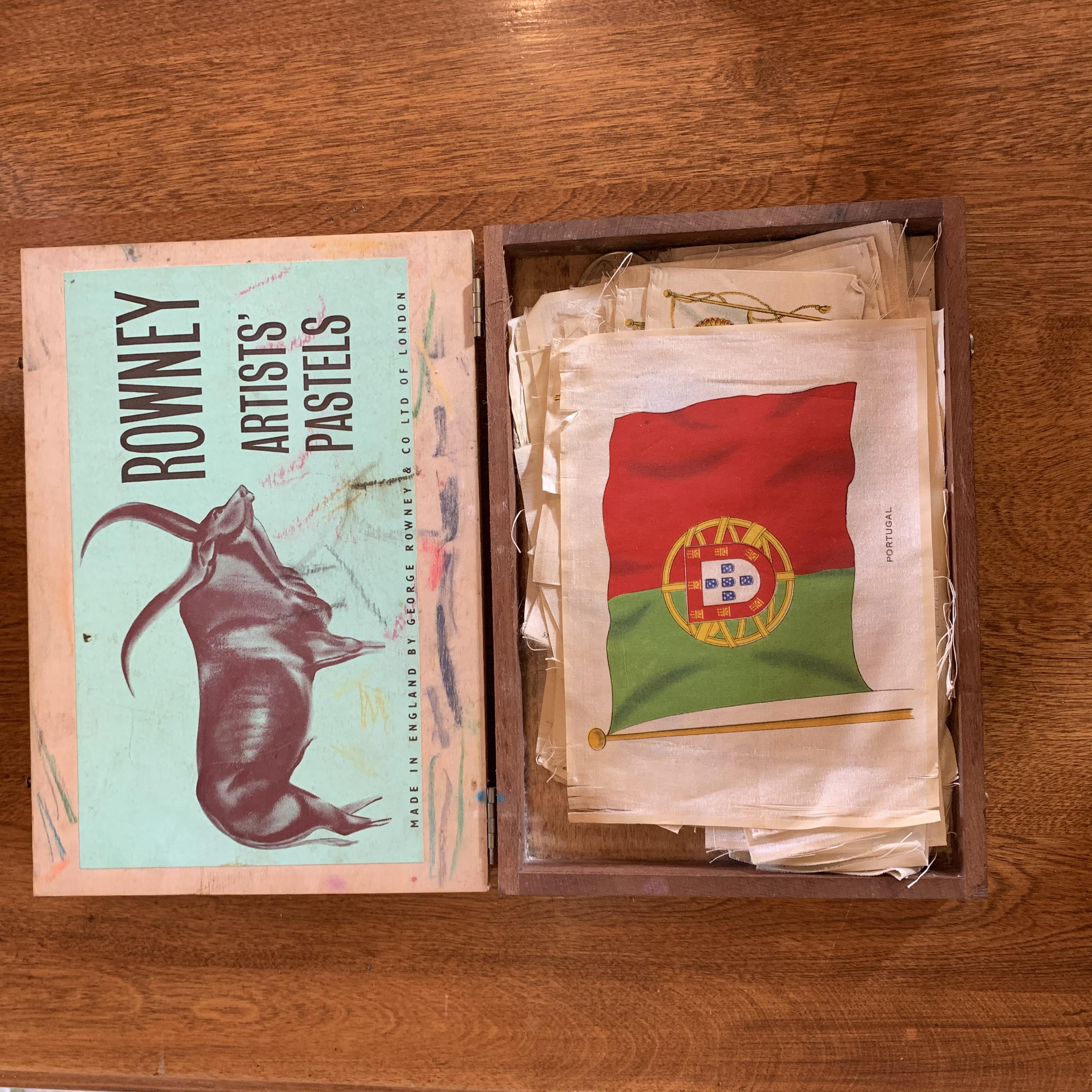 Vintage Cig Flags Box