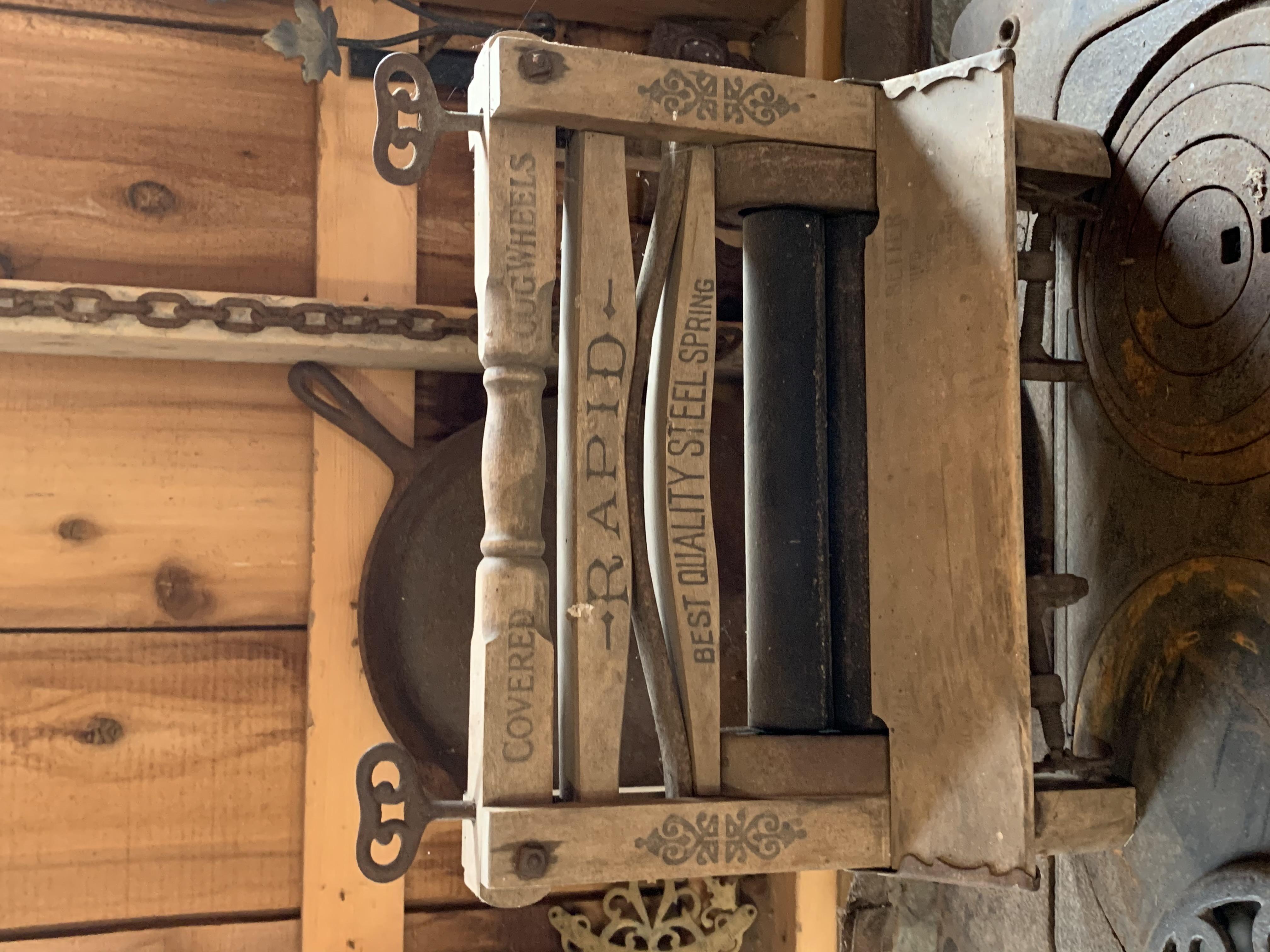 Vintage Laundry Winger
